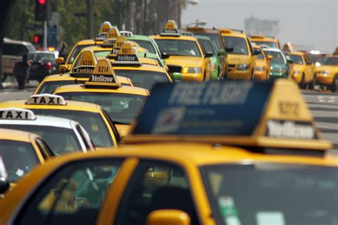 Los Angeles to require all taxis to use 'Uber-like' mobile
