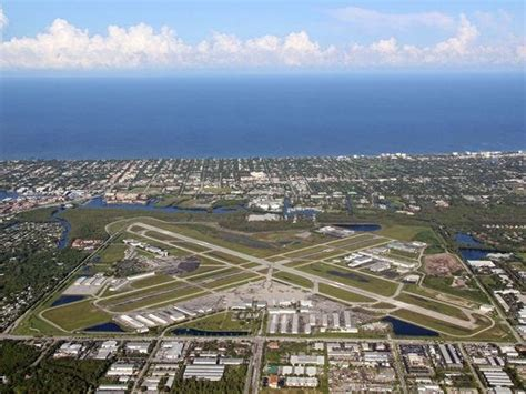 New Naples airport chief named