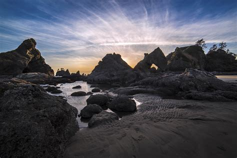 OLYMPIC MOUNTAINS AND COAST - Andy Porter Images