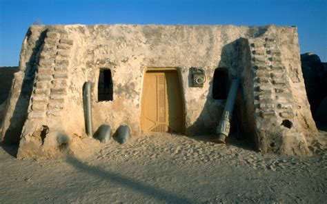 Sand Dune Is About To Bury Fictional Star Wars City -- And