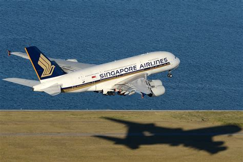File:Singapore Airlines Airbus A380 at Sydney Airport